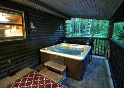 rustic hideaway cabins hot tub