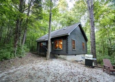 rustic hideaway cabins exterior